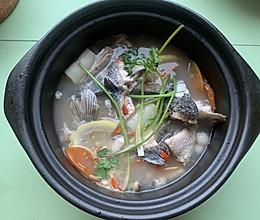 菌菇乌鱼汤的做法