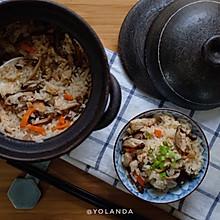 香菇鸡肉砂锅饭