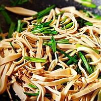 青蒜苗炒豆腐皮#做道好菜,自我宠爱!#的做法图解5