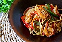 泰式黑胡椒虾炒意面的做法