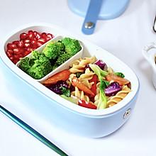 火腿肠时蔬炒意面便当#硬核家常菜#