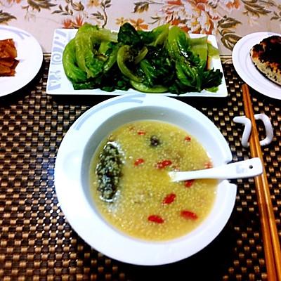 海参小米粥(美容养颜)