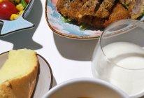 炸牛排#10分钟早餐大挑战#的做法