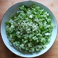 香芹炒肉末#花10分钟,做一道菜!#的做法图解2