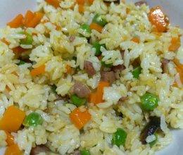 腊鸭腿胡萝卜豌豆炒饭的做法