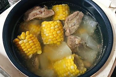 清甜不腻的冬瓜玉米排骨汤