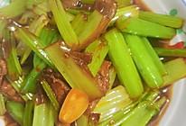 #元宵节美食大赏#芹菜炒肉的做法