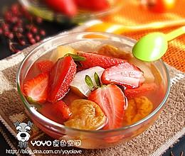 草莓梨子汤的做法
