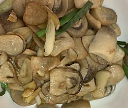 蚝油清炒草菇的做法