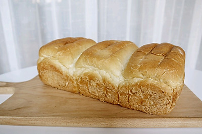 超柔軟的吐司面包