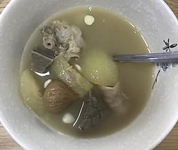 雪梨无花果猪肺汤的做法