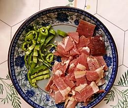 一个不会做饭的懒人做的菜#青椒火腿的做法