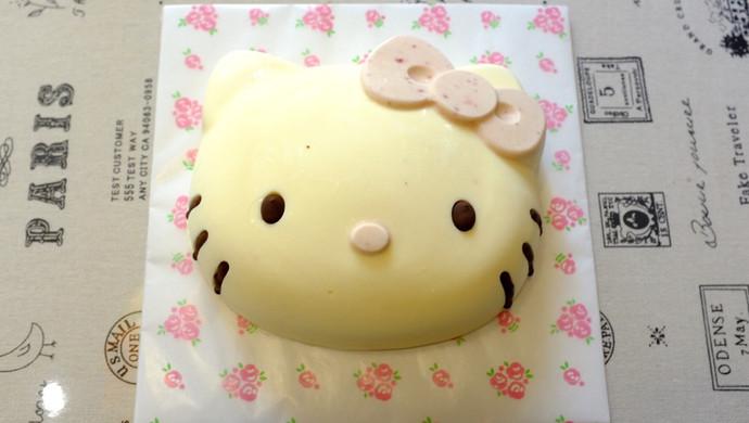 Hello Kitty 酸奶乳酪慕斯蛋糕