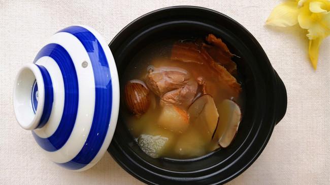 滋心润肺鳄鱼汤-秋梨鳄鱼汤的做法