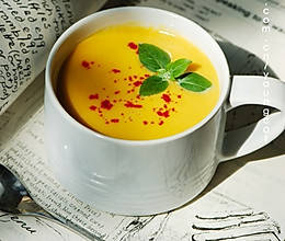 奶香南瓜浓汤的做法