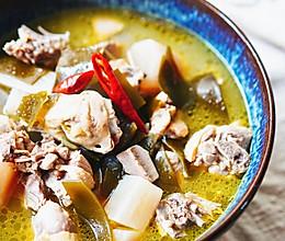 老火靓汤-夏食补酸萝卜煲老鸭汤的做法