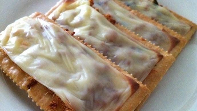 干酪肉松梳打饼