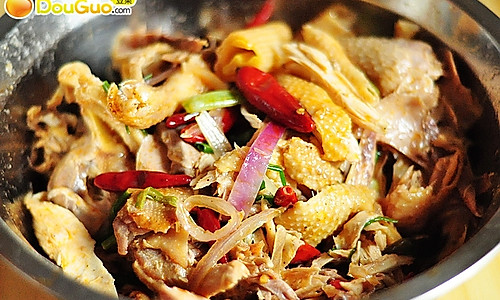 新疆第二著名的鸡肉菜--椒麻鸡的做法
