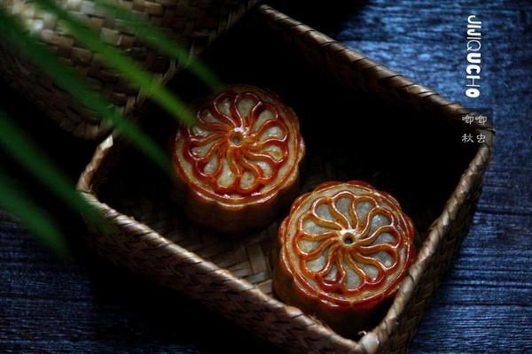 广式豆沙蛋黄月饼的做法