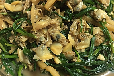 韭菜酸笋炒花甲肉