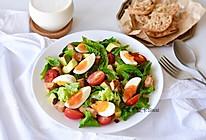十分钟健康早餐:低脂!孜然鸡胸肉半熟鸡蛋葡萄干嫩叶菠菜沙拉的做法