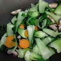 #我们约饭吧#香菇炒油菜的做法图解5