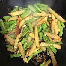 芹菜炒土豆条