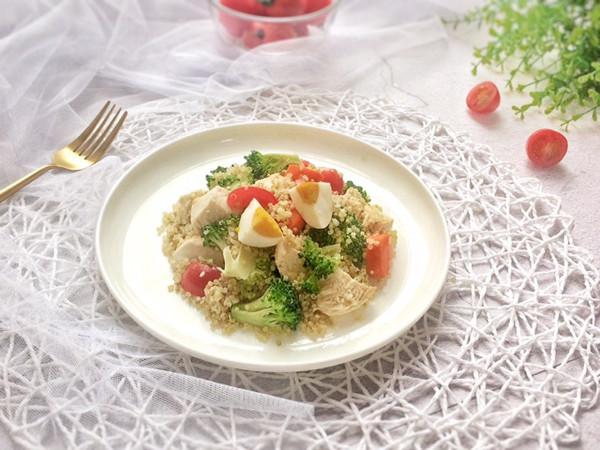 健康清爽的藜麦鸡胸肉沙拉的做法