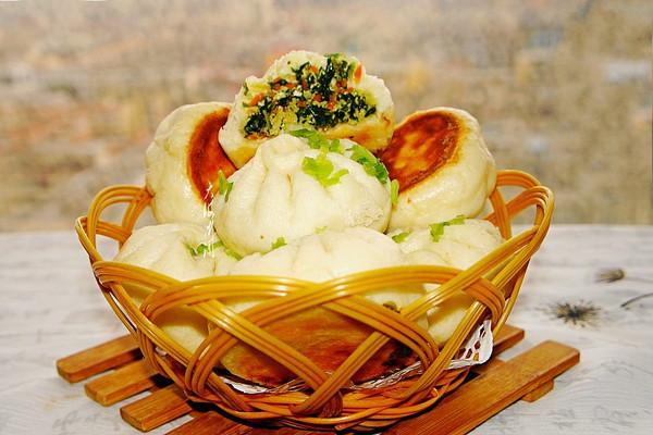 刺五加叶鸡蛋馅水煎包#晒出你的团圆大餐#的做法