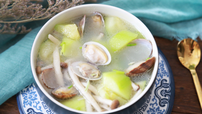 丝瓜花蛤菌菇汤