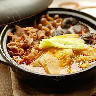 韩国鲜菌辣肥牛汤锅