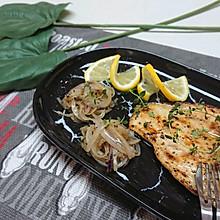 拧香煎鸡胸肉配洋葱·不柴·健身减肥低脂·蜜桃爱营养师私厨