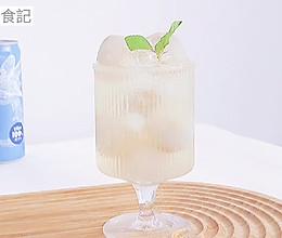 夏日冰饮【荔枝柠檬椰子气泡水】的做法