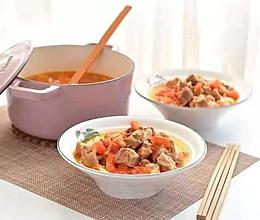 西红柿牛腩汤面的做法