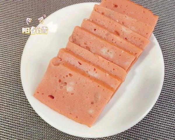 别再给孩子买火腿肠了!试试自制午餐肉 无添加肉香软 蒸午餐肉的做法