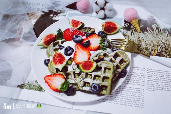抹茶草莓华夫饼的做法