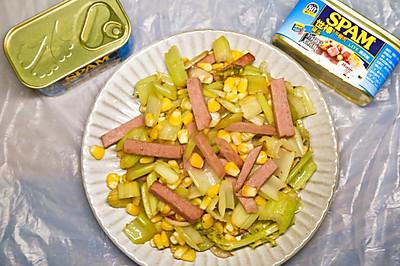 营养满分的夏日食谱-西芹玉米炒午餐肉