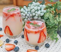 成本不到十块,自制草莓饮的做法