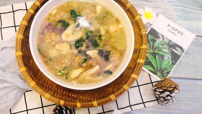 #春季减肥,边吃边瘦#鲜菇肉丸汤