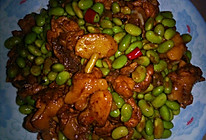 鸡腿焖青豆的做法
