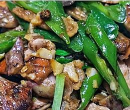 紫花菌炒肉的做法