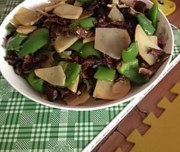 臻蘑炒土豆片的做法