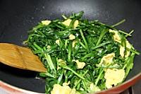 韭菜炒鸡蛋的做法图解3