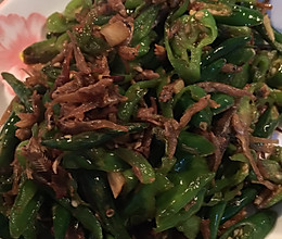 辣椒炒小鱼的做法