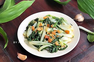 #快手又营养,我家的冬日必备菜品# 猪油渣炒小白菜