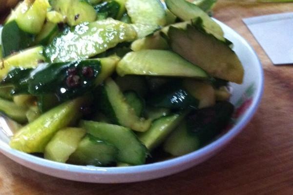 椒油黄瓜的做法