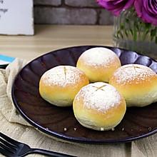 咸蛋黄肉松麻薯面包