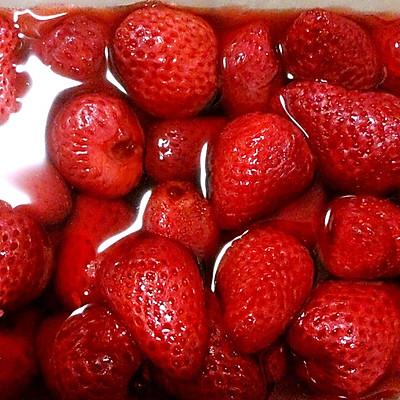 夏天吃不完草莓的好去处--冰镇草莓罐头