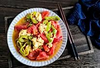 西红柿尖椒炒鸡蛋的做法
