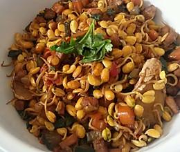 色彩炒黄豆的做法